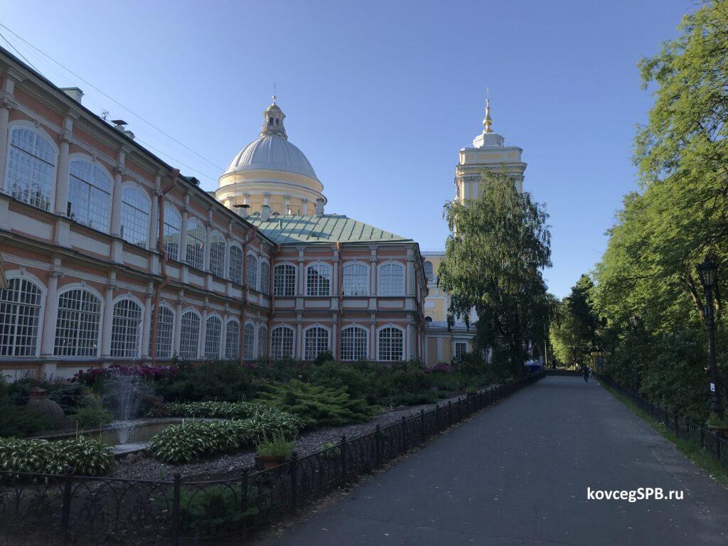 Ночлег в Александро-Невской Лавре